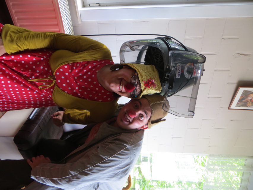 Bezoek van de clowns